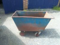 4 WHEELED BARROW/ TROUGH
