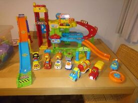 Vtec Toot Toot Garage, ramp, track and cars