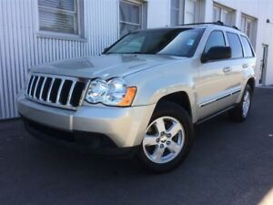2010 Jeep Grand Cherokee Laredo, 4X4, HEATED EXTERIOR MIRRORS.