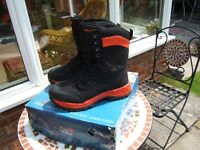 TF GEAR FISHING BOOTS SIZE 10