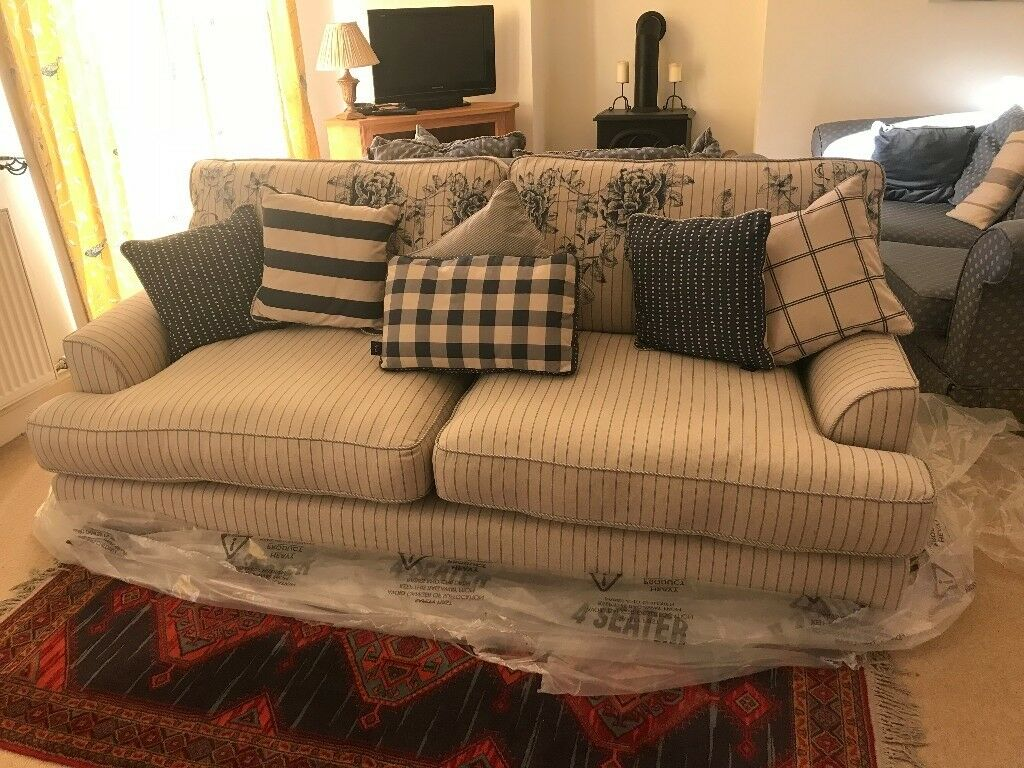 Brand New Joules Sofa 4 Seater Hasn T Been Used
