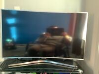 Selling my 49 inch curved Samsung tv with remote excellent condition