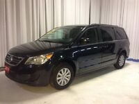2011 Volkswagen Routan Comfortline leather, loaded, Quad Seating
