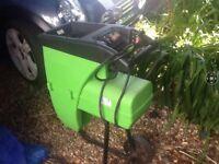 Electric garden mulcher / shredder