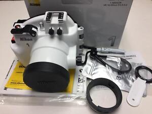 Nikon WP-N1 Waterproof case for Nikon 1 J1/J2 body with VR 10-30mm f/3.5-5.6 lens like new