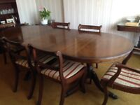 Dining Table, 4 chairs & 2 carvers.