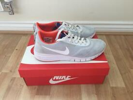 Nike Mens Trainers in White