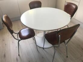 Lovely retro kitchen table & 4 chairs
