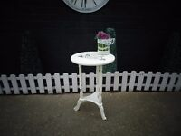 BEAUTIFUL SOLID WOOD VINTAGE SIDE/COFFEE TABLE PAINTED WITH LAURA ASHLEY PALE DOVE GREY
