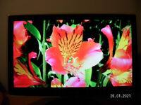 """SAMSUNG 24"""" FULL HD 1080p TV / PC MONITOR / FREEVIEW"""