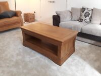 Solid Oak coffee table from Oak Furnitureland in excellent condition.