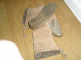 2 tone Tan Sheepskin Boots