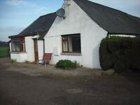 Farm Cottage - South Facing - Off A90 nr Stracathro.