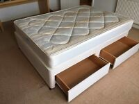 Orthopaedic double divan bed with 2 drawers in very good conditions