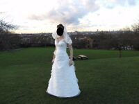 Wedding dress to fit uk size 10-12 medium for 170 cm tall person chest size 34 DD ivory colour