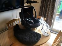 Maxi-cosi Pebble Car Seat With Extrasr
