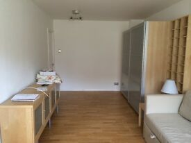 Large Studio Flat in Peacehaven