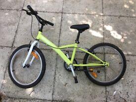 Unisex child's bike for sale.