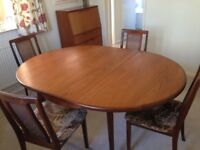 G plan table and chairs round but extends to oval very good condition