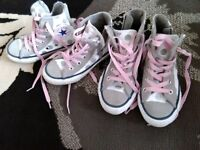 2x pairs hi tops converse girls size 10.5&11.5 ml5