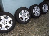 4 Land Rover Discovery 3 Wheels with Tyres