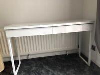 Ikea Besta Burs White High Gloss Desk With Glass Top