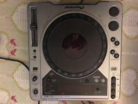 Stanton mixer and Pioneer CDJ-800