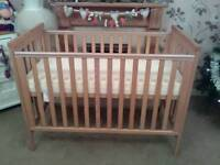 EXCELLENT CONDITION MAMAS AND PAPAS COT WITH UNUSED MATTRESS