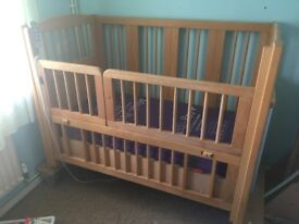 Electronic Disabled Children's Cot