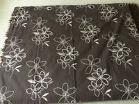 2 pairs of curtains