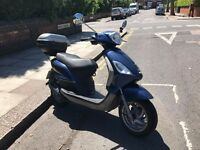 2012 Piaggio Fly 50, Rear Box & Security Chain/Alarm Included, MOT til 11/17, cheap to insure!