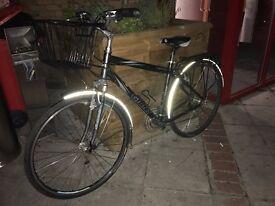 Bike Giant Cypress Hybrid with basket