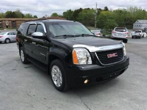 2010 GMC Yukon XL SLT Pwr.S-roof heated leather