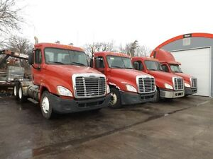 2009 Freightliner CASCADIA CHEAP DAYCAB