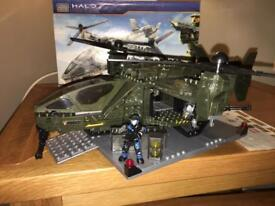 Mega Bloks Halo UNSC Falcon with Landing Pad 96940 all pieces