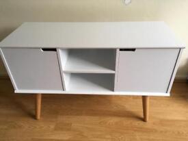 White/wood retro TV unit