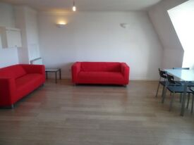 MODERN & SPACIOUS 2 BED IN A GATED DEVELOPMENT BRIXTON ROAD