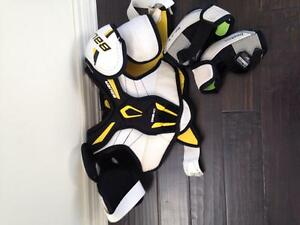 Junior Bauer chest protector / rebook elbow pads