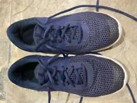 Nike navy blue trainers size UK 5.5