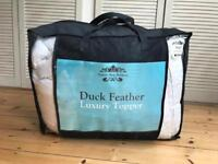 Duck feathers mattress cover