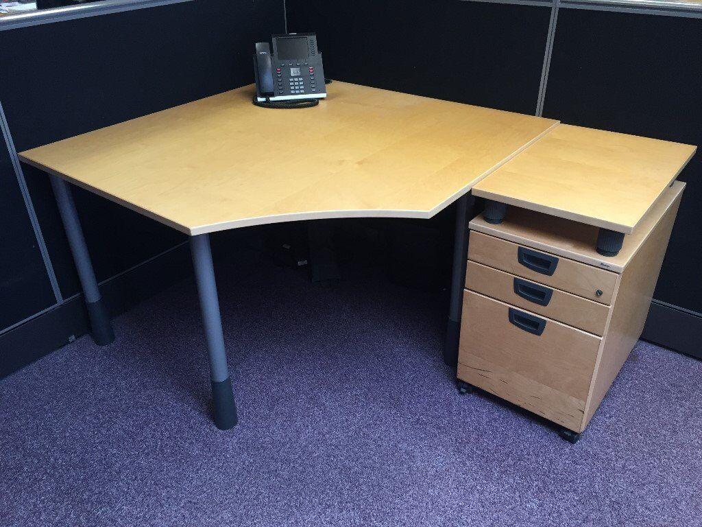 Kinnarps Series E Small Corner Desk