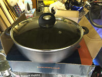 30cm aluminium cast casserole shallow pan with glass lid