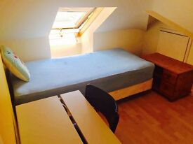 *** Single double room in heart of CHARMINSTER ***