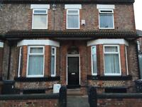 3 bed flat Crumpsall, Double bedrooms with 2 toilets,close to city centre and all amenaties