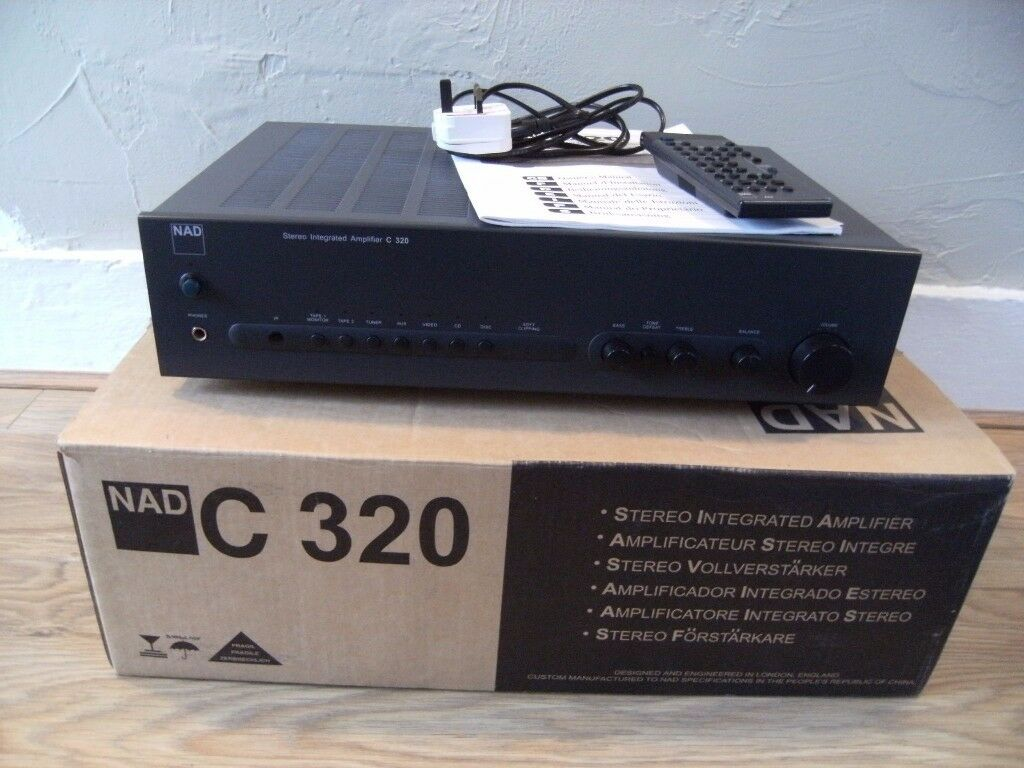 NAD C320 Integrated Amplifier
