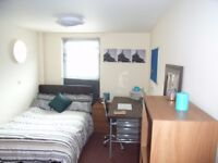 Large En-Suite Room In Prime Location Of BD7*All Bills Included*No Bond, Move In Today*