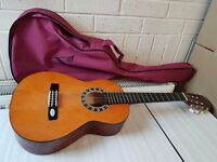 VALENCIA CG1K 1/2 Size Acoustic Guitar with Case