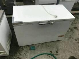 Fridge freezers and chest freezers