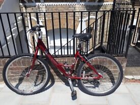 """£80 - Ladies Hybrid Raleigh Voyager 18 speed Trad Style cycle 17"""" Frame - good condition"""