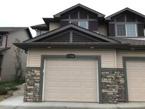 Stunning 4 Bedroom Duplex in Schonsee! Finished Basement +...